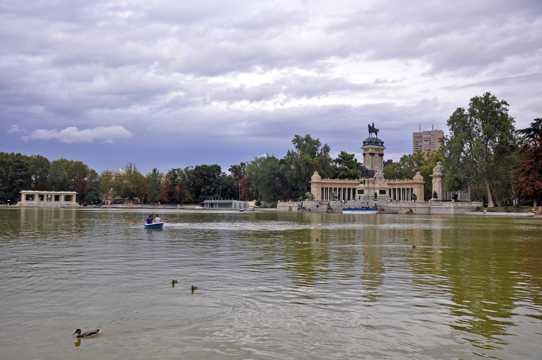 西班牙建筑景致图片