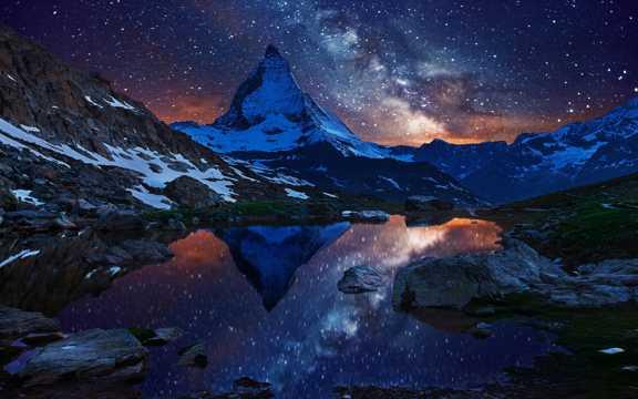 唯美的夜空宇宙图片