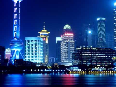 夜幕的东方明珠图片