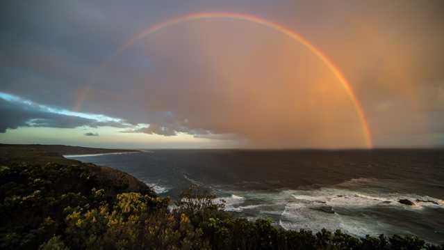 海岸彩虹图片