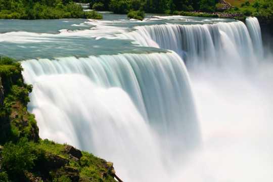 瀑布山川光景图片