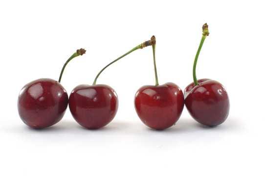 四个排列整齐的红樱桃图片