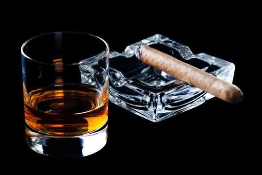 高清威士忌摄影