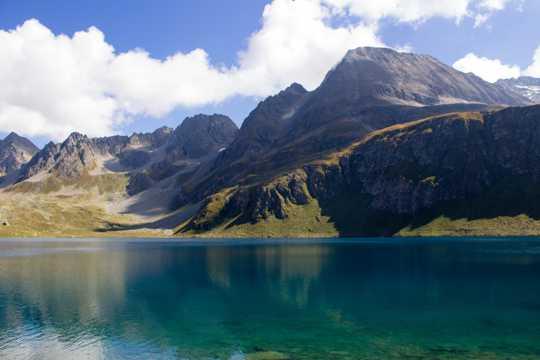 阿尔卑斯山江河图片