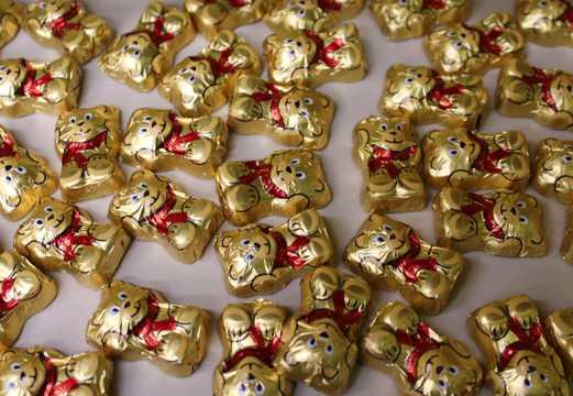 小熊巧克力糖果图片