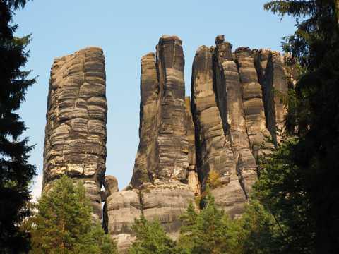 砂岩石头山景象图片
