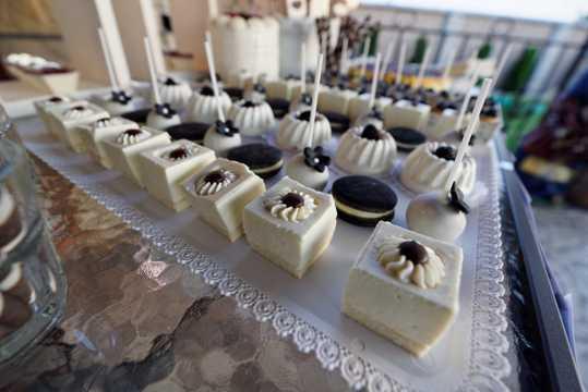 白巧克力慕斯蛋糕图片