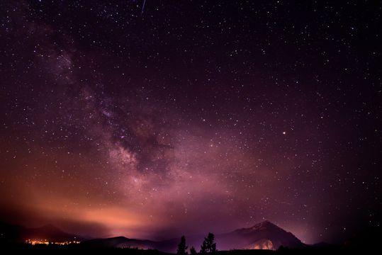 养眼明亮的夜空光景图片