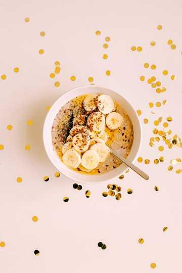 香蕉燕麦片早餐图片