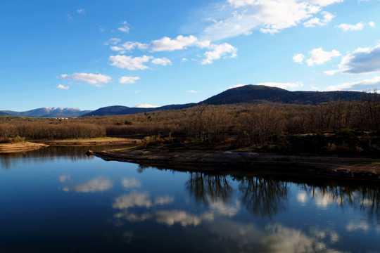 奥地利冬日江河景观图片