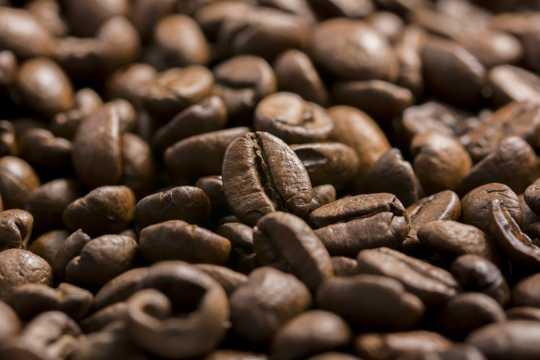 香喷喷浓厚的咖啡豆图片