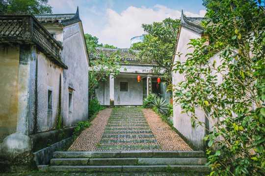 村落里的老房子图片