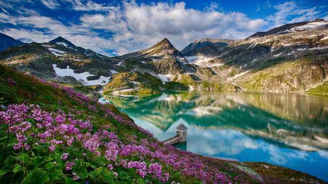 唯美峰峦自然风光图片