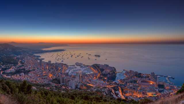 摩纳哥海湾唯美的夜景