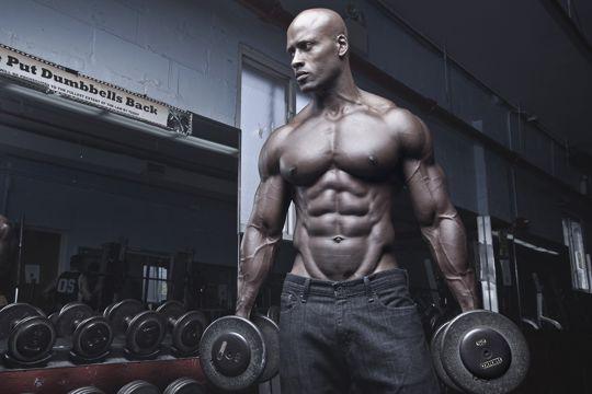 黑人肌肉男