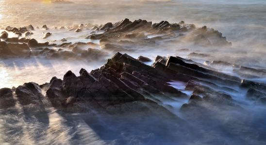 摸索的路,岩石,雪,雾,光,金洙