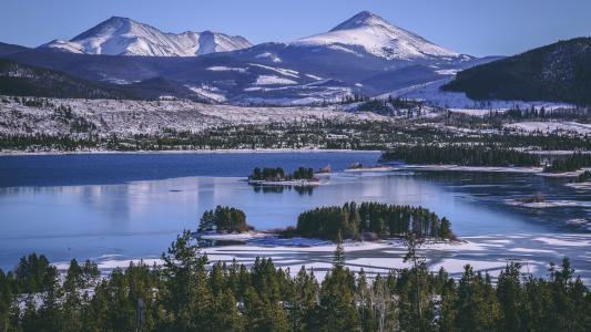 湖,树,岛,山,雪,冬天