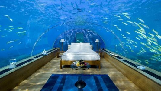房子和舒适,卧室,正面,照片,在水之下