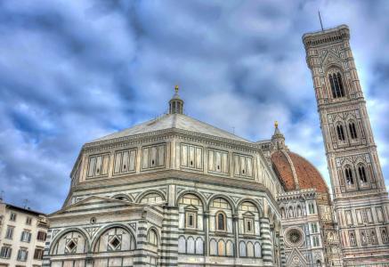 壮观的佛罗伦萨花之圣母大教堂