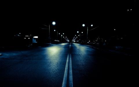 晚上,路灯