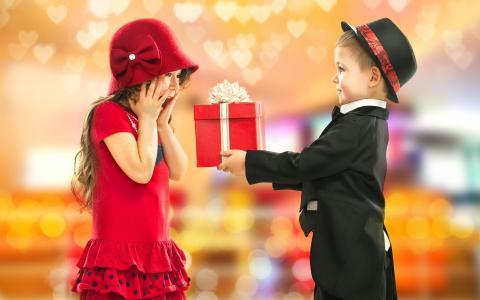 女孩,男孩,朋友,礼物,服装,微笑,积极,假期