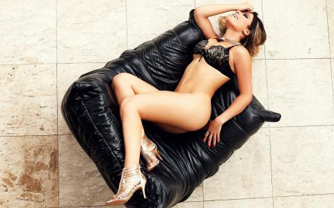 巴比罗西,女孩笑,金发碧眼,巴西,阿丽亚娜斯坦霍夫同事,凉鞋,性感,内衣,美丽