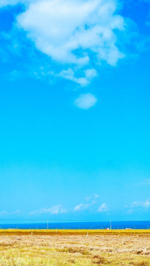 清爽蔚蓝天空风景