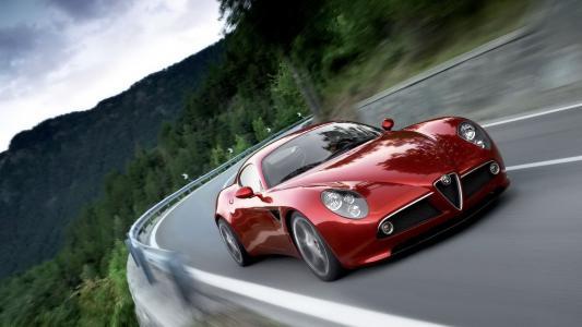 汽车,阿尔法罗密欧,路,山,森林。
