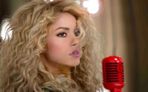 夏奇拉,夏奇拉,歌手,金发,长发,卷发,嘴唇,看,麦克风