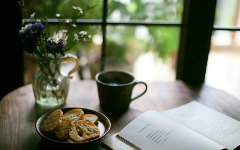 一杯淡茶,一缕暖阳,一份雅趣