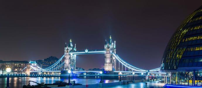 伦敦,英国