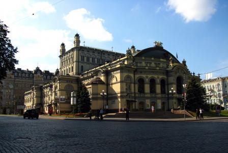 基辅,歌剧院,夏天