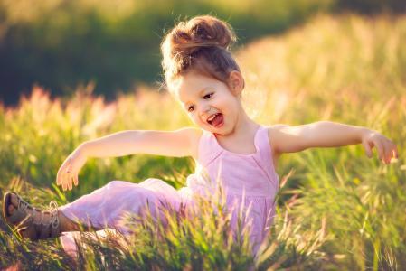 Edie Layland,孩子,女孩,婴儿,裙子,凉鞋,自然,夏天,领域,草,喜悦