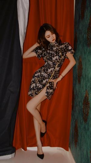 大长腿旗袍美女