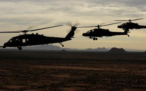 呃-60黑鹰,啊-64阿帕奇,美军