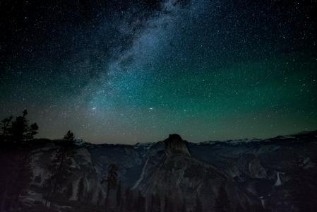 夜空中唯美的星