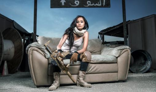 女孩,机枪