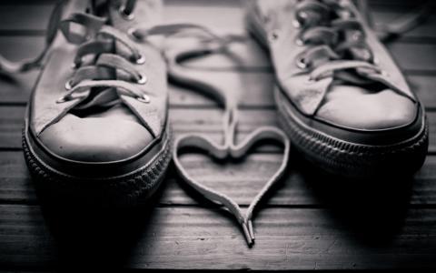 夫妇,运动鞋,鞋带,心脏,黑白照片