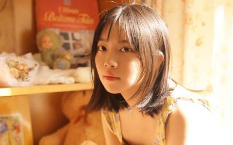 清纯可爱学生妹漂亮甜美写真