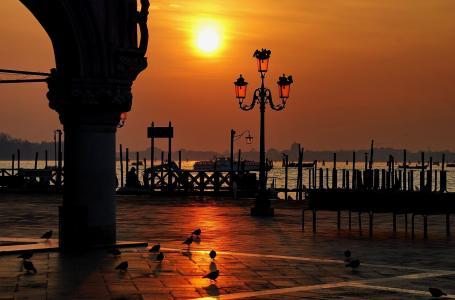 意大利圣马可广场,公爵宫,日落,威尼斯
