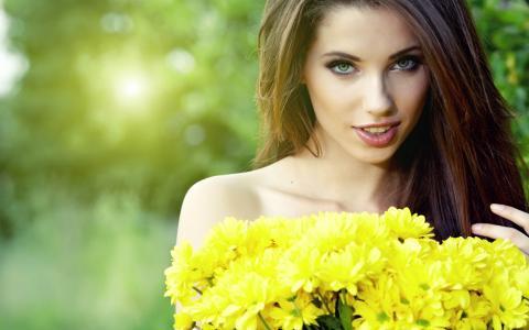 女孩,模型,棕色头发,鲜花,黄色,微笑,看,背景,性质