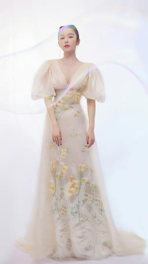 阚清子轻纱连衣裙气质写真