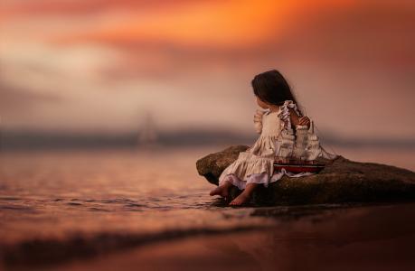 莉莉娅·阿尔瓦拉多,孩子,女孩,婴儿,玩具,船,海,石,日落,晚上