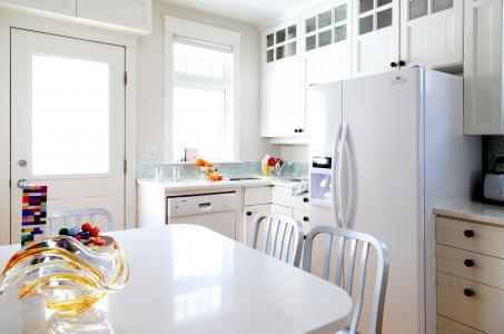 室内,房间,冰箱,表,厨房,家具