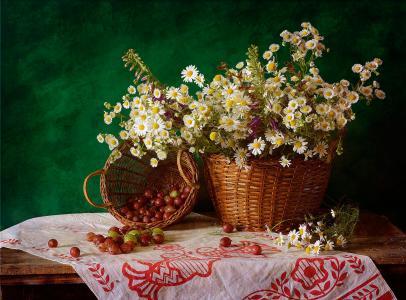 静物,篮子,桌子,餐巾,毛巾,篮子,鲜花,浆果,醋栗