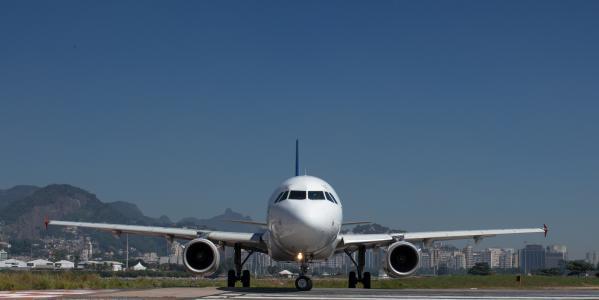 机场,飞机,着陆