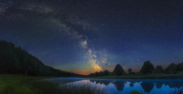 银河系,星空,夜景,射手座,星系,河流,湖泊,森林,由Harlanov Nikita