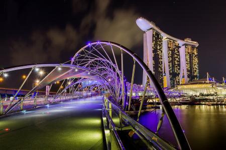 新加坡,螺旋桥,夜晚,灯光,河流,建筑物,美女,桥梁