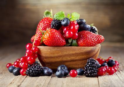 浆果,草莓,黑莓,蓝莓,黑醋栗