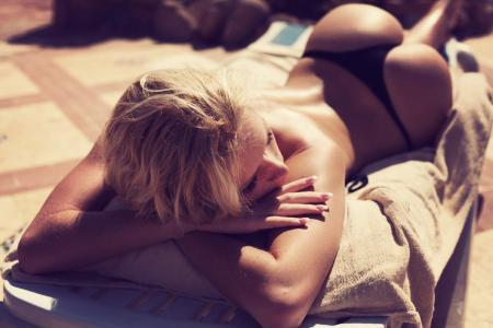 屁股,黑色比基尼泳装,金发女郎,女孩,性感,热,壁纸